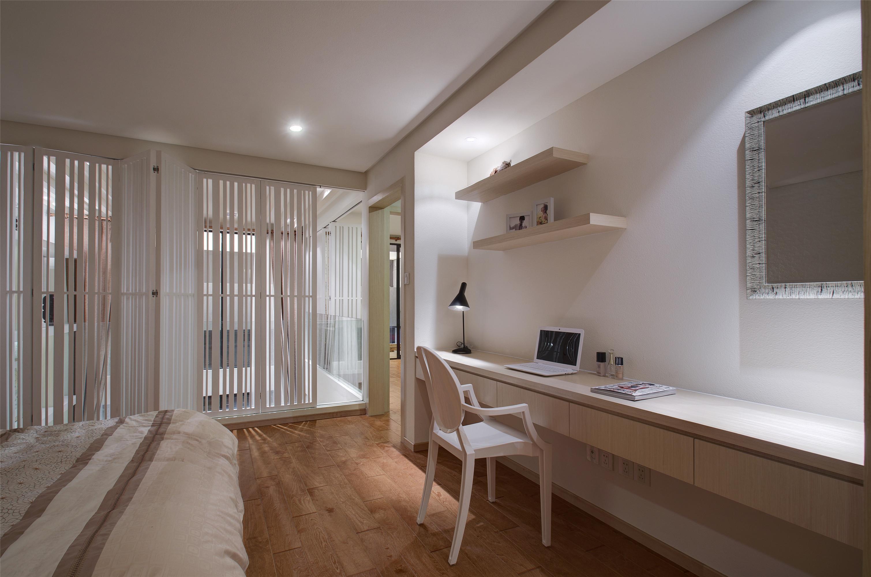 二居室简约装修书桌图片