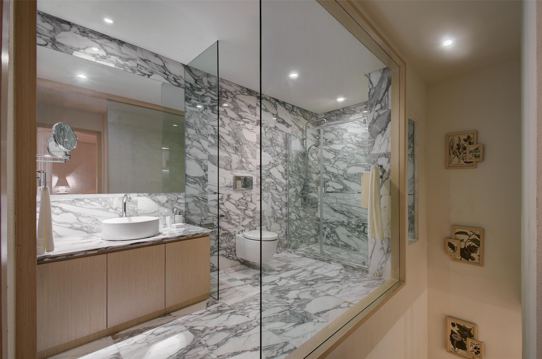 二居室简约装修卫生间效果图