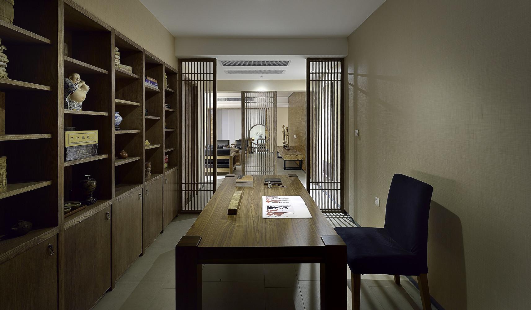 三居室中式风格家书房效果图