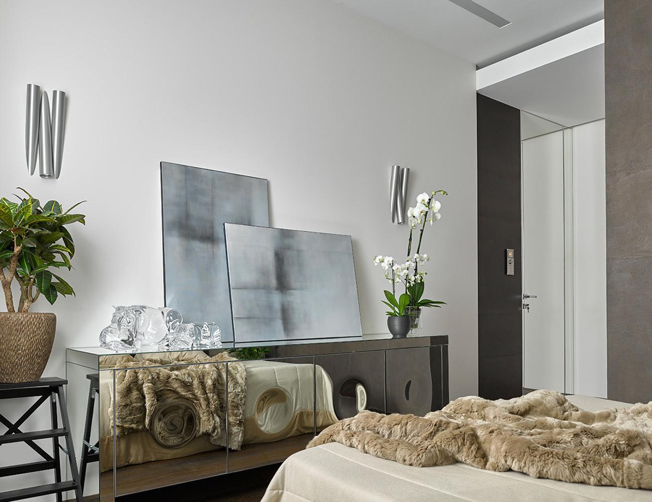 130平三居室装修装饰柜图片