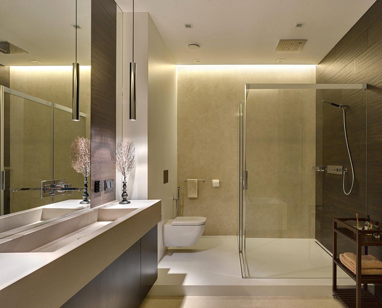 130平三居室装修卫生间效果图