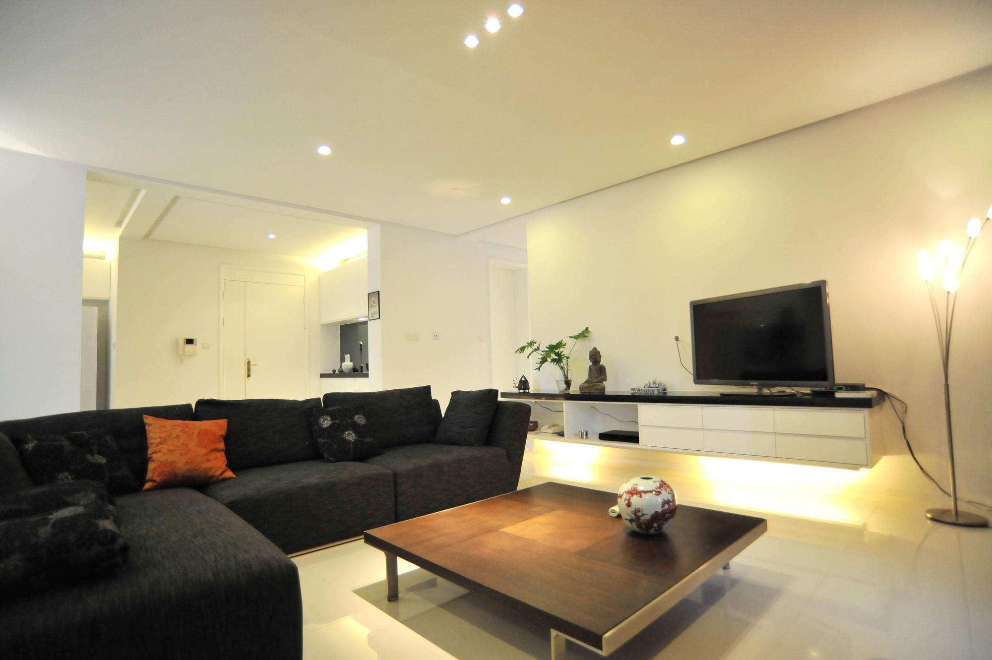 大户型黑白极简装修客厅设计图