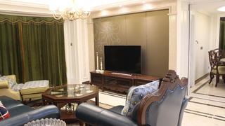 130平三居室装修电视背景墙图片