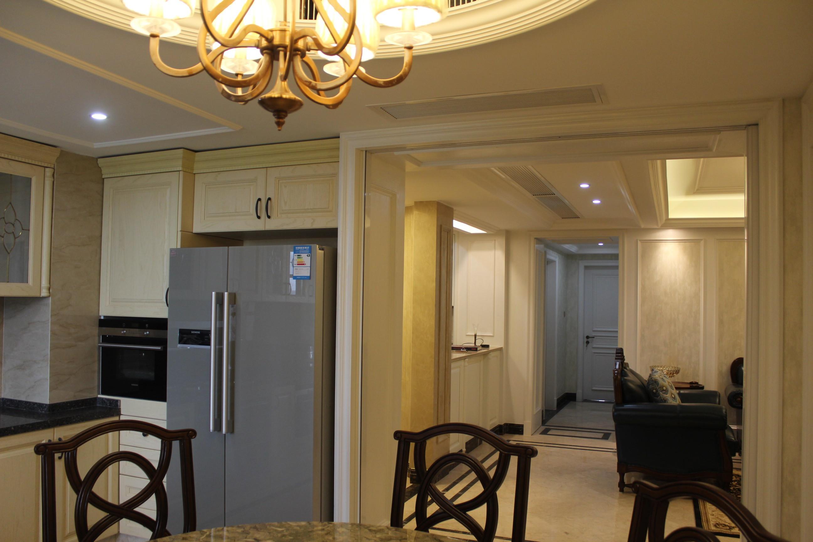 130平三居室装修橱柜图片