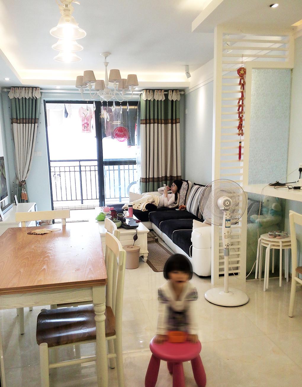 二居室混搭风格装修沙发背景墙图片