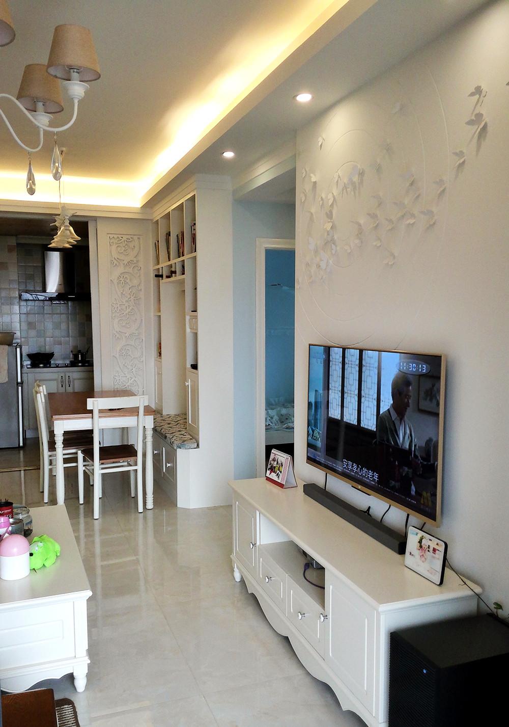二居室混搭风格装修电视背景墙图片