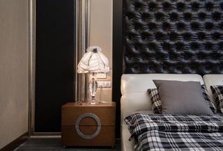 现代别墅装修床头柜图片