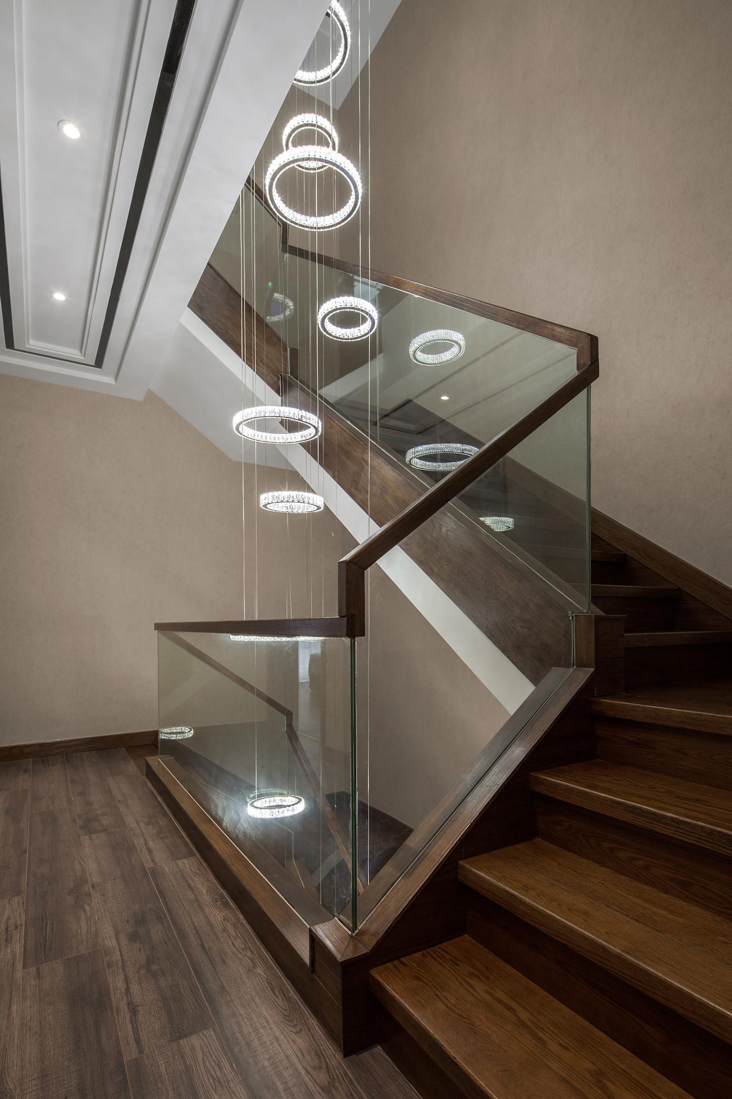 现代别墅装修楼梯灯具设计