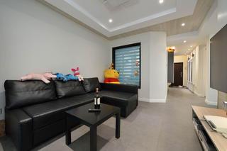 三居室简约风格装修沙发图片