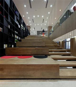 办公室装修楼梯设计