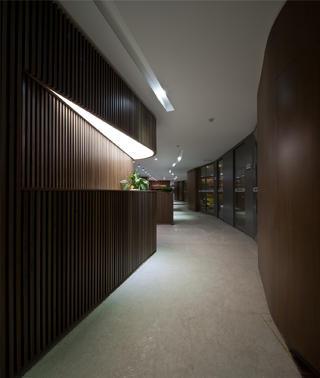 办公室装修走廊设计