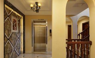 美式风格别墅装修电梯过道
