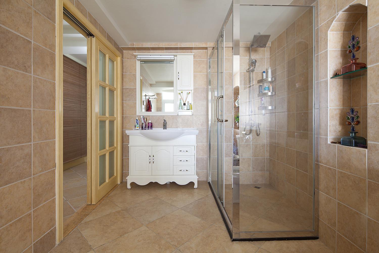 复式混搭装修浴室柜图片