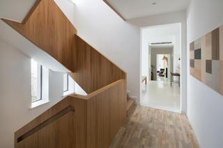 北欧风别墅装修楼梯设计
