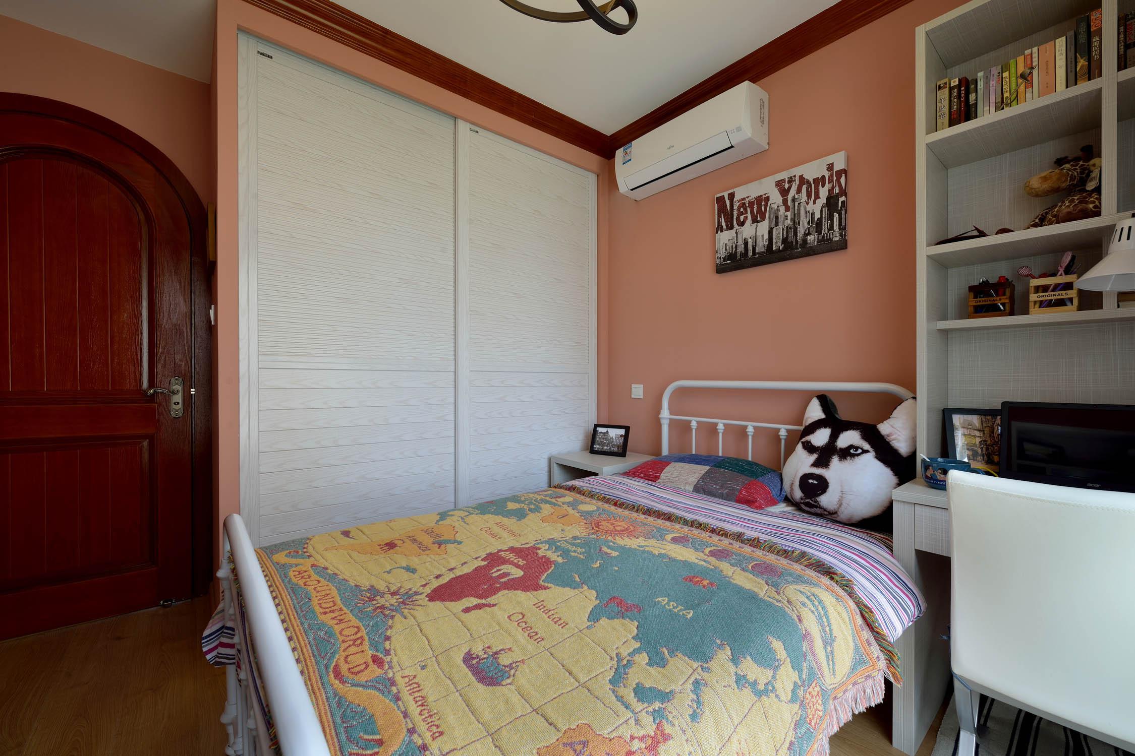 80㎡二居室之家衣柜图片