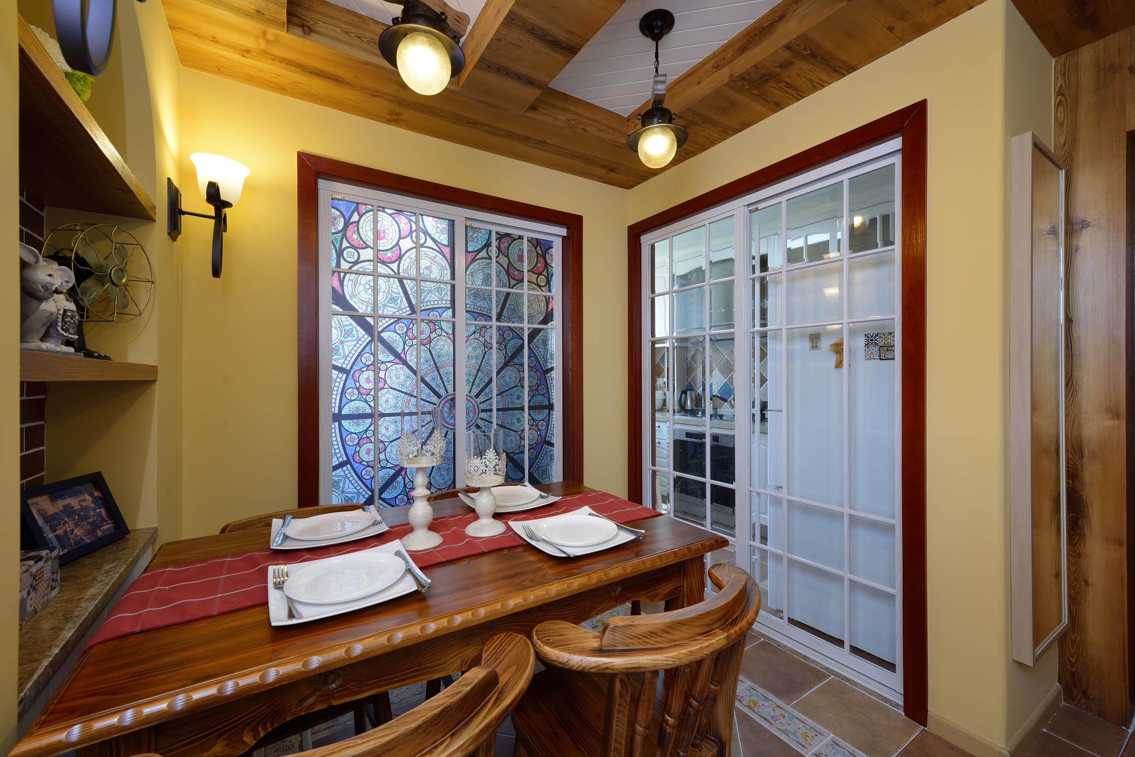 80㎡二居室之家餐桌图片
