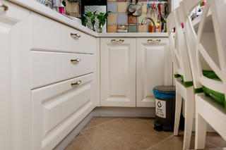 二居室现代美式家橱柜图片