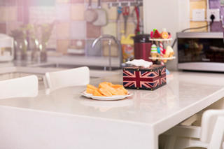 二居室现代美式家餐桌摆件