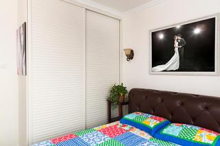 二居室现代美式家衣柜图片