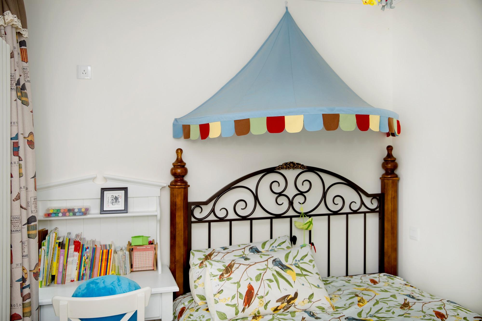 二居室现代美式家儿童床装饰