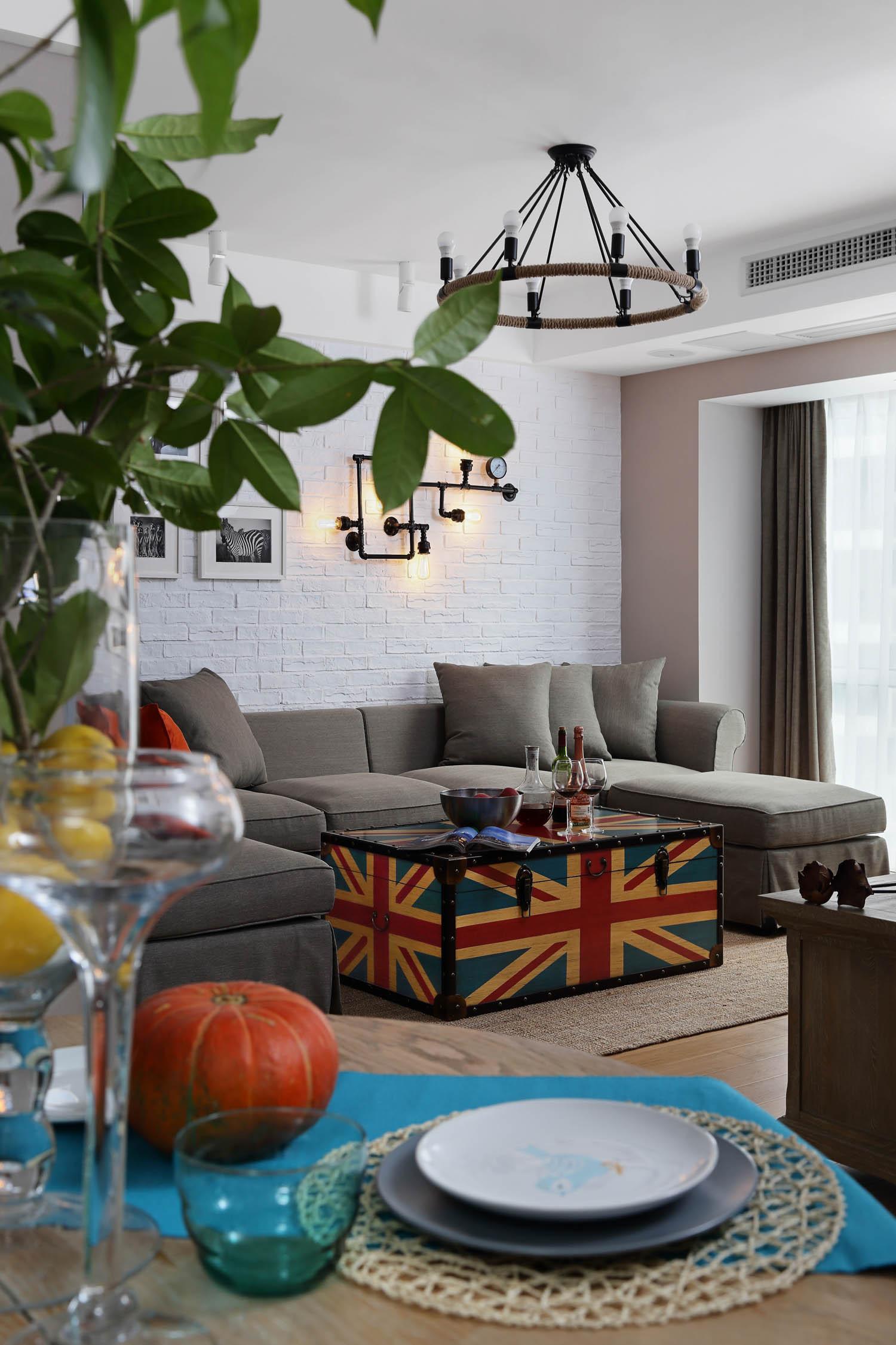 120平混搭装修沙发背景墙图片