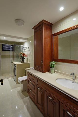 豪华欧式别墅装修卫生间设计图