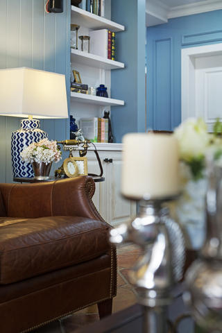 美式风格四居装修客厅一角