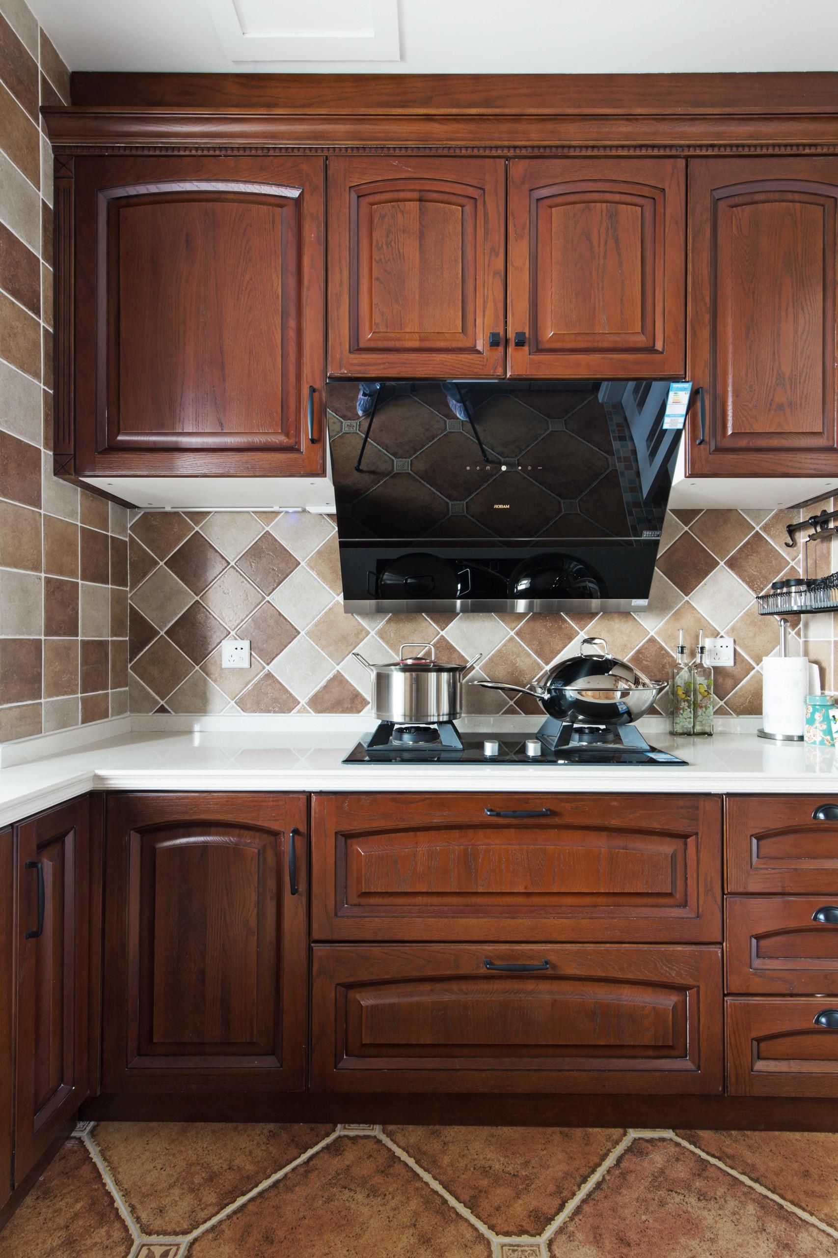 美式风格四居装修厨房效果图
