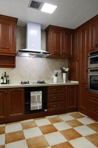 美式别墅装修厨房搭配图
