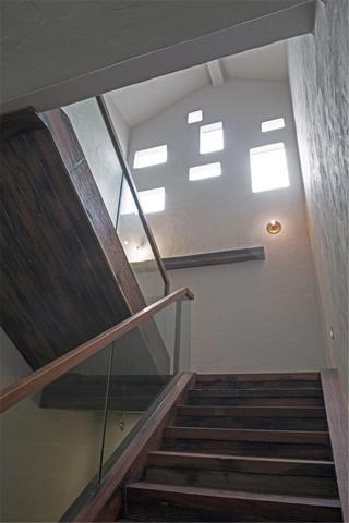 中式风格别墅装修楼梯图片
