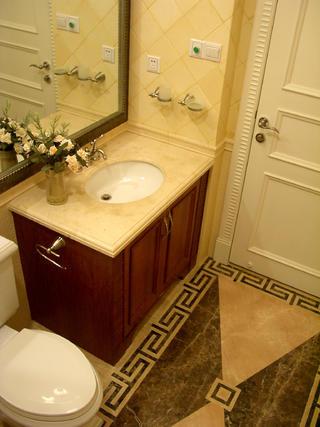 三居室欧式公寓装修洗手台图片