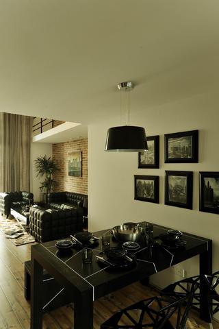现代简约loft风格装修餐桌图片