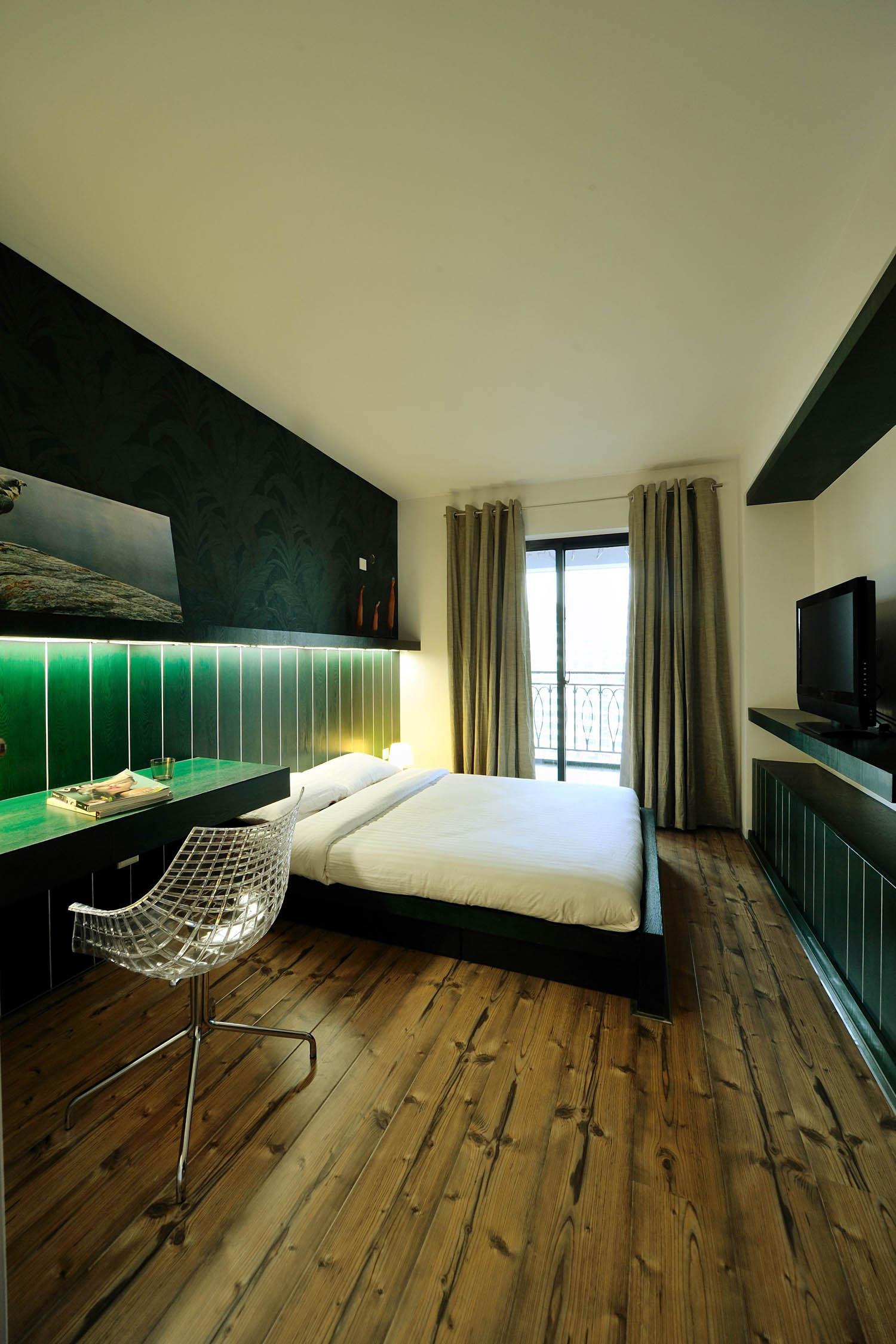 现代简约loft风格装修卧室效果图