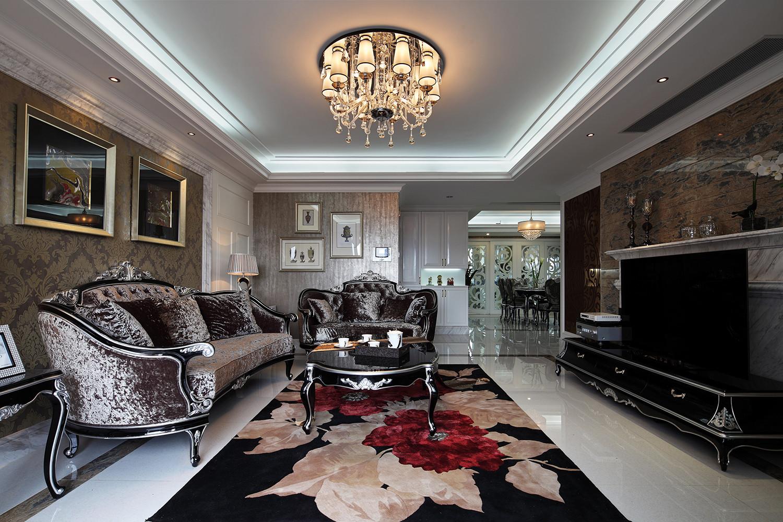 160平新古典装修沙发背景墙图片