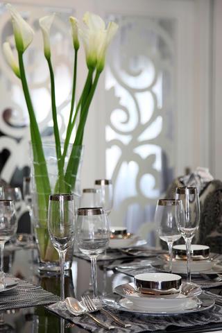 160平新古典装修餐具摆件