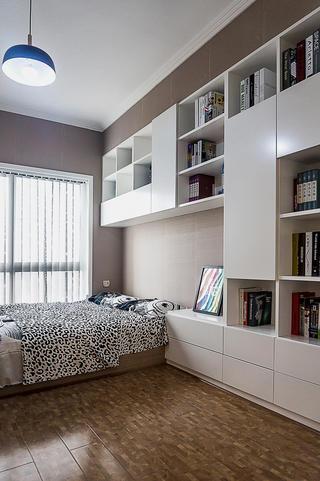 120平简约三居装修书柜图片