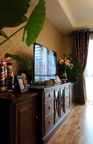 美式风格三居装修电视柜图片