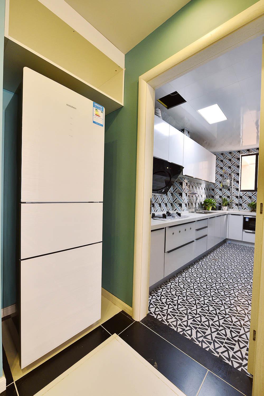 70平波普风格装修厨房设计图
