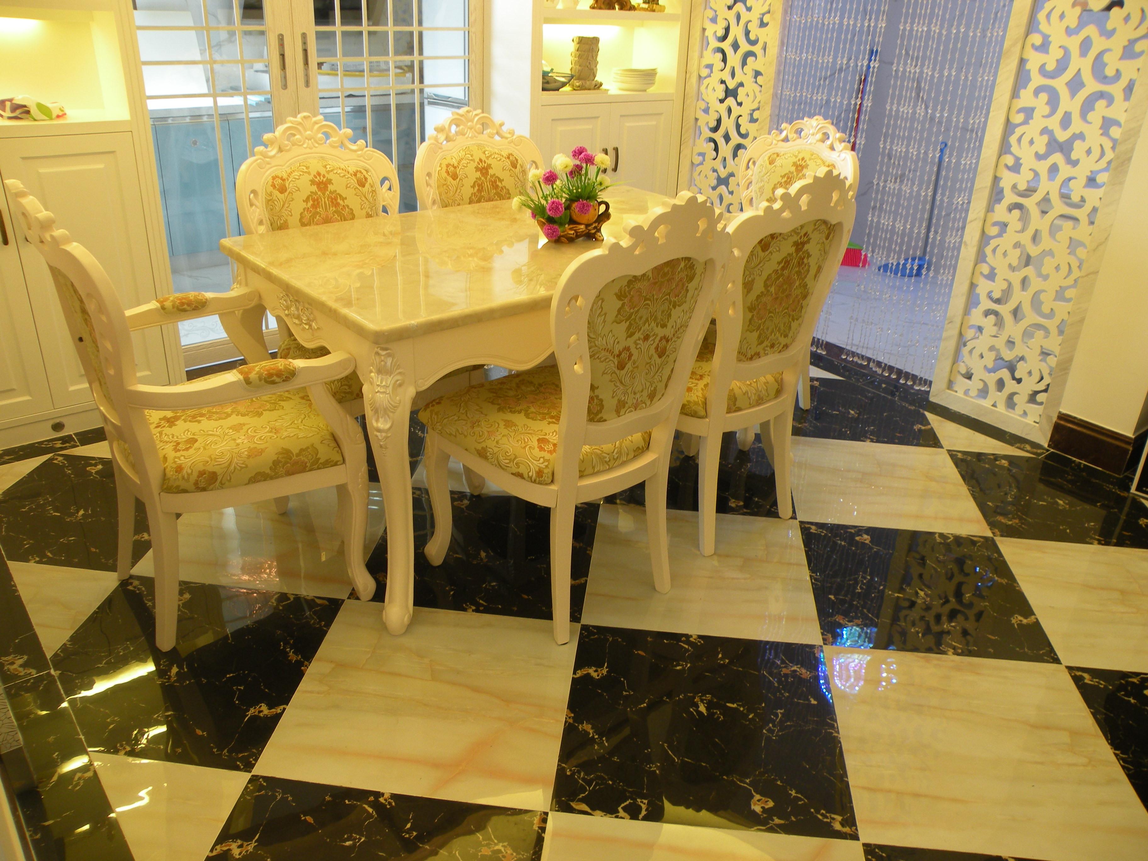 150平欧式风格装修餐桌图片