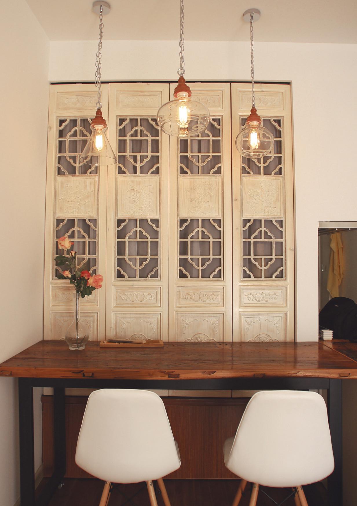 小户型单身公寓装修餐厅背景墙设计