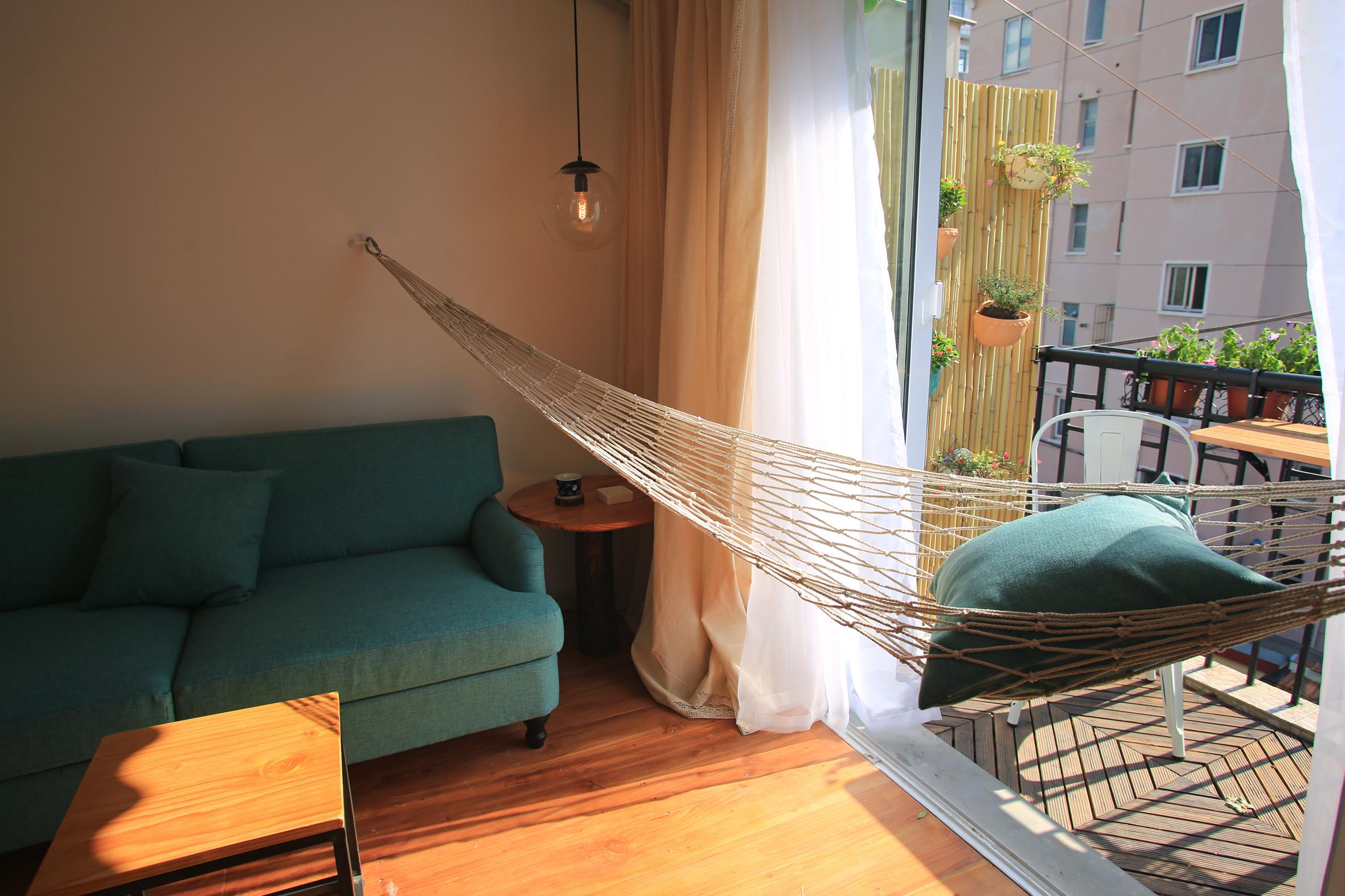 小户型单身公寓装修吊床设计