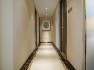 大户型现代简约家走廊图片