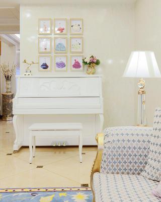 法式复式装修钢琴练习区