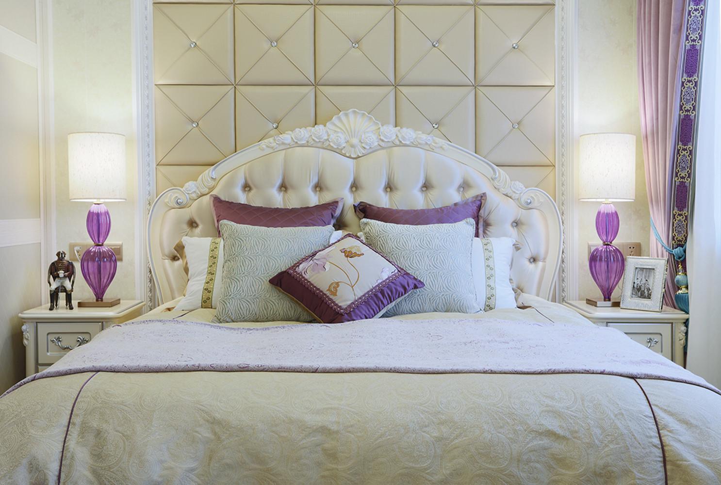 法式复式装修床头软包图片