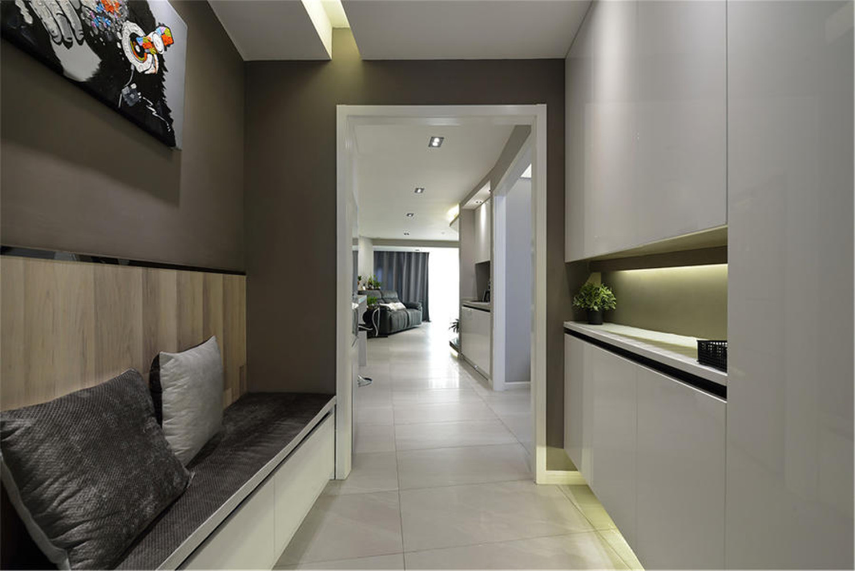 60平一居室装修玄关卡座设计
