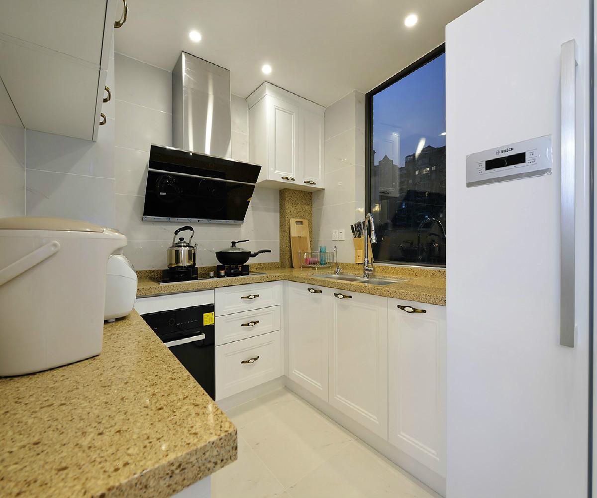 三居室美式装修厨房设计图