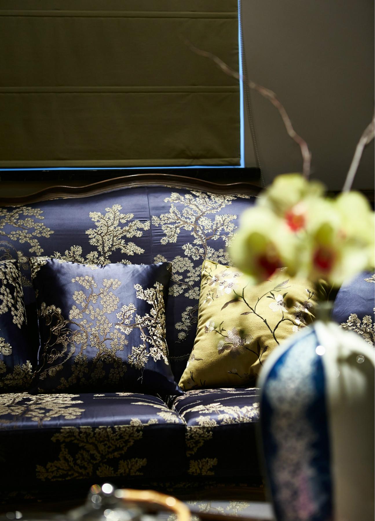 复式三居装修沙发细节