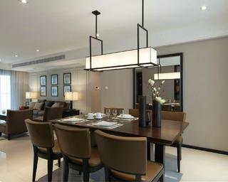现代风格四房装修餐厅设计图