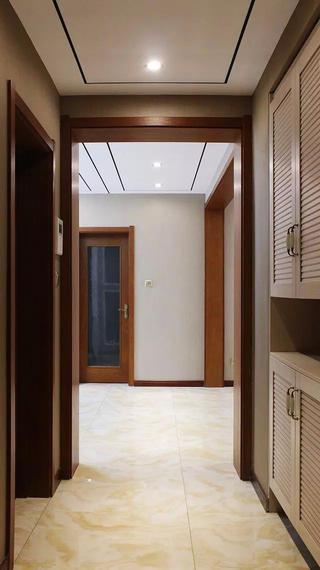135平现代风格装修门厅过道