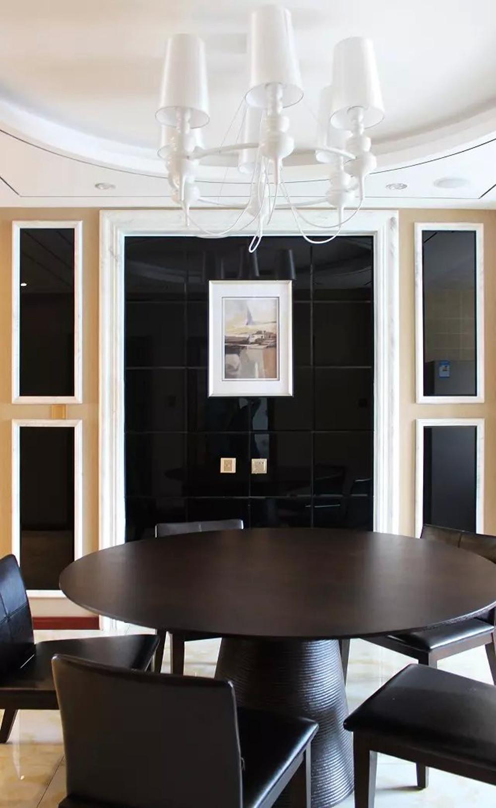 135平现代风格装修餐厅背景墙图片